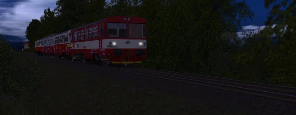 Souprava tří 810 s Bixem odjíždí z Číčova :)